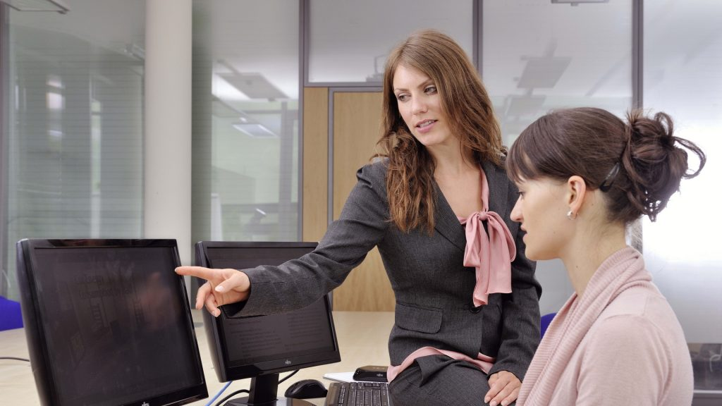 girls_monitors_computer_office_work_coaching_77405_1920x1080